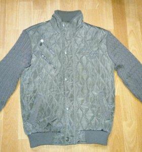Куртка для мальчика на рост 146 см.