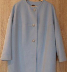 Роскошное пальто и шляпка с вуалью