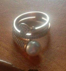 Продам кольцо позолоченое