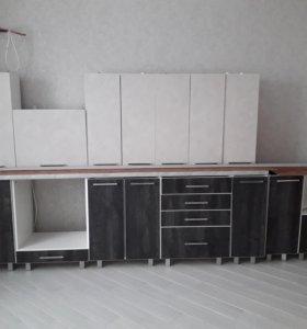 Новый кухонный гарнитур (пластик)