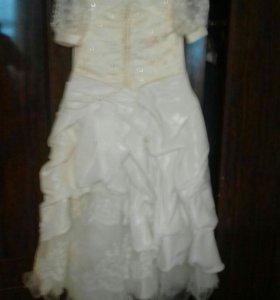 Платье нарядное, очень красивое