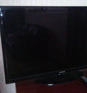 Телевизор ЖК Самсунг UE40D50003BW
