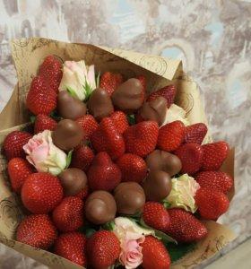 Букет из клубники и фруктов