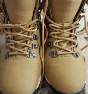 Теплые ботинки р.37