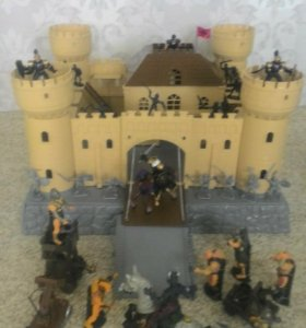 Солдатики, рыцари, орки. Крепость.