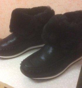 Обувь женская(угги)новые размеры:38,39,40.