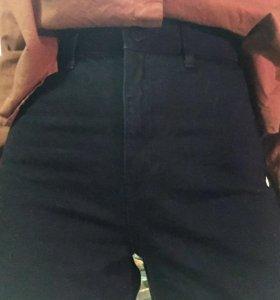 Черные хлопковые брюки uniqlo