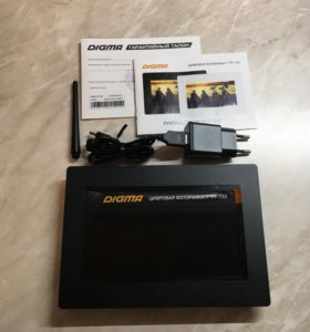 Цифровая фоторамка Digma PF-733