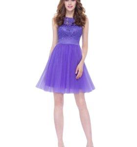 Сиреневое коктейльное платье с кружевом