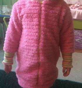 Верхняя одежда для девочки 2-2,5 года