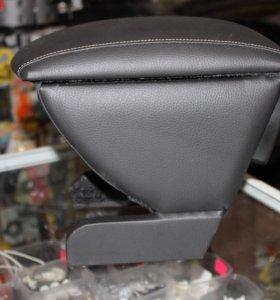 Подлокотники.НОВЫЕ! Chevrolet Aveo T300 2011-...