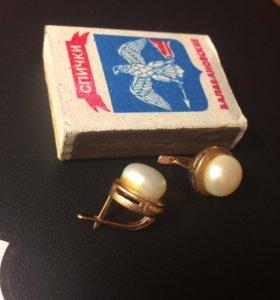 Серьги золотые с жемчугом