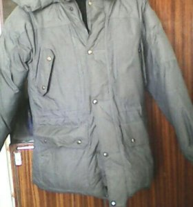 Зимняя куртка с капишоном(пуховик)