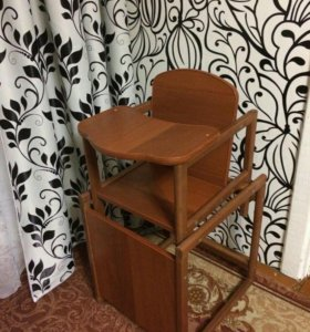 Столик и стульчик деревянный детский