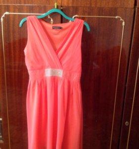 Продаю платье розовое размер 46-48