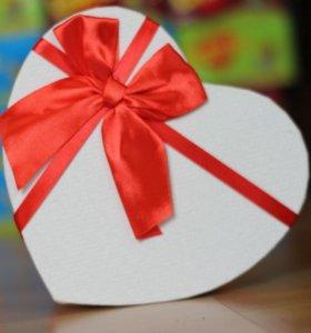 Жвачка Love is микс. подарок.