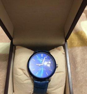Мужские часы с коробкой