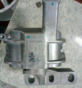 Подушка двигателя VAG
