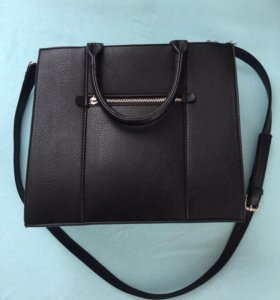 Чёрная сумка из Stradivarius