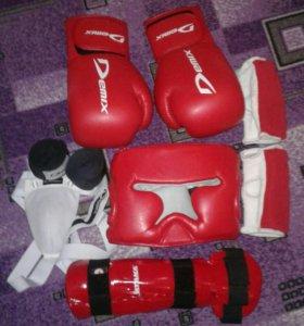 Для Кик-Боксинга или Бокса