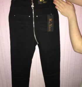 Модные джинсы чёрного цвета