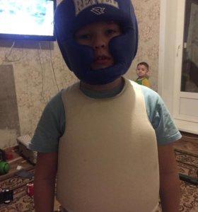 Шлем каратэ нагрудник