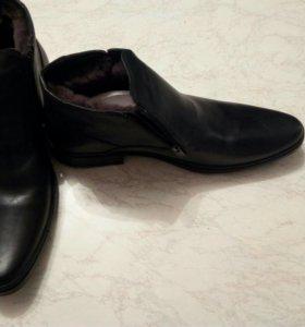Мужские зимние туфли( новые)