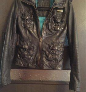 Кожаная куртка Superdry