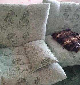 Продаю диван и два кресла.Кресла раздвигаются