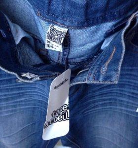 Новые фирменные джинсы-164 рост