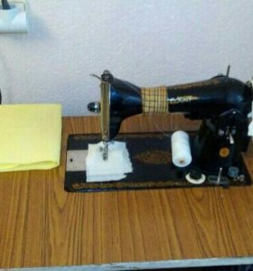 Швейная машинка с эектроприводом
