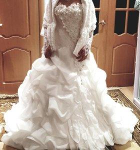 Сввдебное платье и украшения