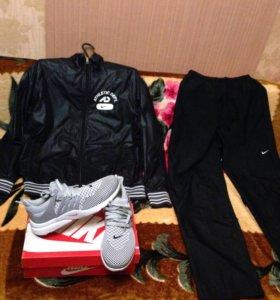 Продам комплект Nike размер 50,52 L кроссовки 43