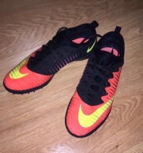 Футбольные бутсы, сороконожки Nike Mercurial X