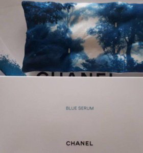 Chanel - специальная подушка для глаз