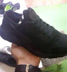 Кроссовки новые !