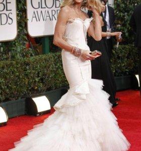 Свадебные платья и платья подружкам невесты.