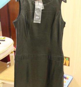 Кожаное черное короткое платье