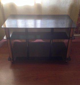Стеклянный столик/подставка под ТВ