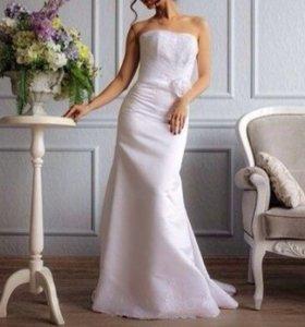 Новое. Свадебное платье р.42