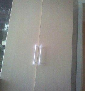 Шкаф двухстворчатый новый светлый