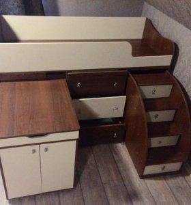 Кровать-чердак и шкаф
