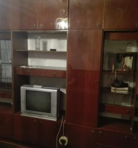 Стенка и шкаф (4 секции)