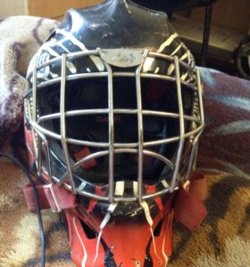 Вратарский шлем bauer