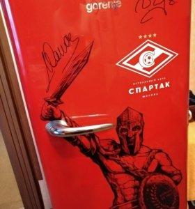 Холодильник Спартак с автографоми