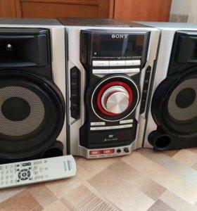 Продаю музыкальный центр SONY MHC-GNZ333D