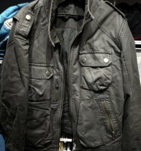 Продаю мужскую куртку Esprit