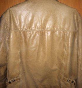 продам мужскую кожаную куртку.не одевалась ни разу