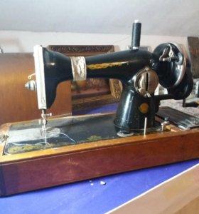 Продаётся швейная машинка.