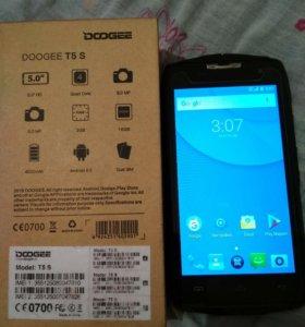 Продам телефон Doogie T5S